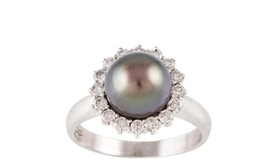 A DIAMOND AND SOUTH SEA PEARL CLUSTER RING, the grey pearl t...