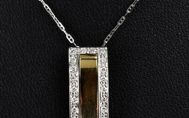 A DIAMOND SET PENDANT IN 18CT TWO TONE GOLD, WITH CHAIN IN 18CT WHITE GOLD, LENGTH OF THE PENDANT 21MM, 3.5GMS
