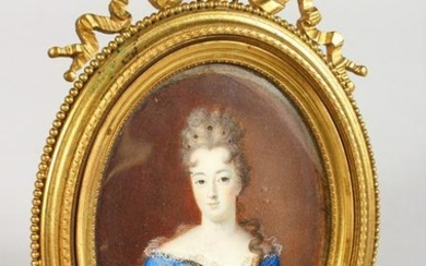 A GOOD 19TH CENTURY OVAL PORTRAIT MINIATURE, of a lady