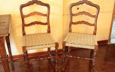 A six walnut chairs set