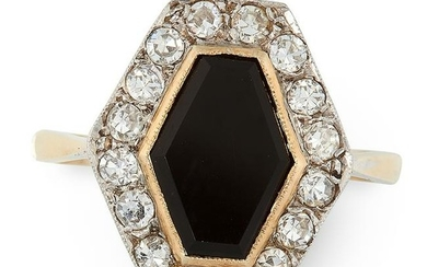 AN ART DECO ONYX AND DIAMOND RING in 18ct yellow gold