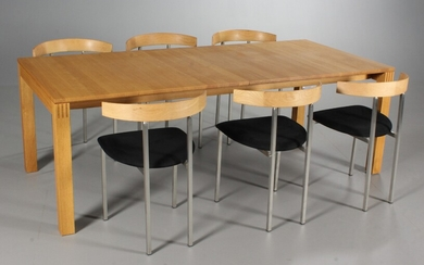 Brd. Andersen. Extendable dining table in oak, Model 320, with six chairs (7)
