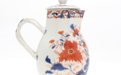 Chinese jug with lid in Imari porcelain, 18th Century.
