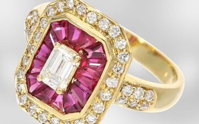 Ring: decorative yellow gold ring with rubies and...