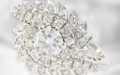 Ring: fancy, formerly expensive vintage brilliant/diamond flower ring,...