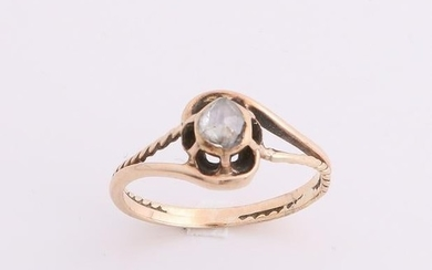 Yellow gold ring, 585/000, with diamond. Ring with