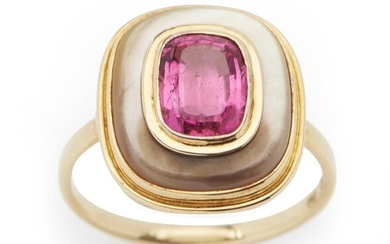 A TOURMALINE AND MOTHER OF PEARL RING