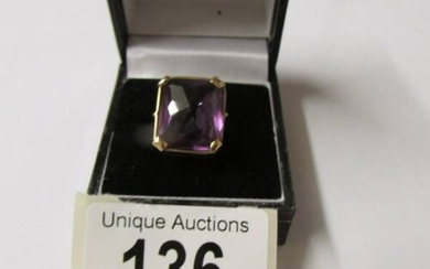 A gold ring set large Alexanderite, hall mark rubbed put pro...