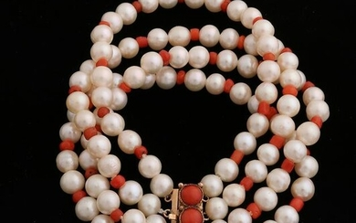 Bracelet with pearl and red coral with yellow gold