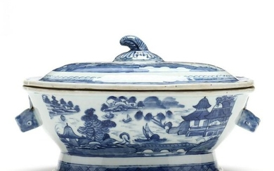 Canton Export Porcelain Covered Tureen