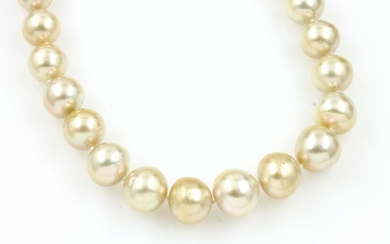 Necklace with cultured south seas pearls ,...