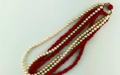 Twisted necklace of 4 rows of cultured pearls...