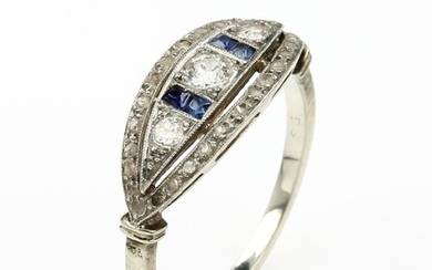 14 kt gold ring with diamonds and...