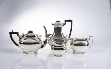 A GEORGE V SILVER THREE PIECE TEA SET, JAMES DEAKIN AND