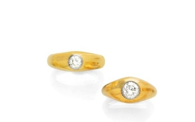 A PAIR OF DIAMOND AND GOLD RINGS, ca....