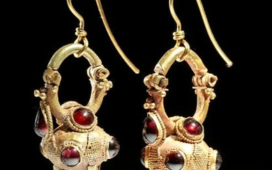 Exhibited Parthian / Roman 18K Gold & Garnet Earrings