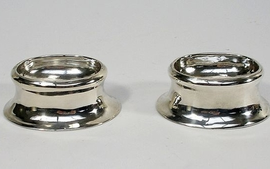 Good George II period pair of trencher salts - .925 silver - Edward Wood, London - England - 1734