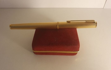 Parker - Fountain pen, 18K gold plume gold plated body