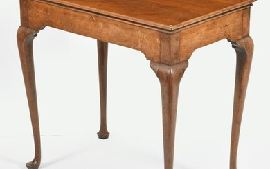Queen Anne mahogany tray top tea table, Connecticut