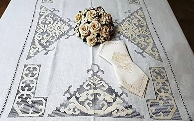 Rich tablecloth with 12 napkins in pure linen Sicilian hand embroidery - Linen - 21st century