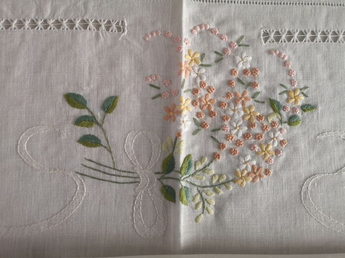 Rich tablecloth x 12 Bellavia pure linen and hand embroidery tablecloth linen embroidery handmade - Linen