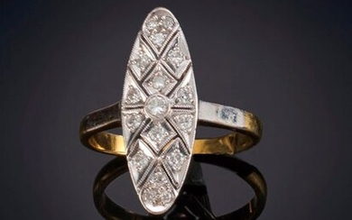 ANTIQUE LAUNCHING RING WITH DIAMOND FRONT, on yellow gold frame with 18k white gold front . Price: 175,00 Euros. (29.118 Ptas.)