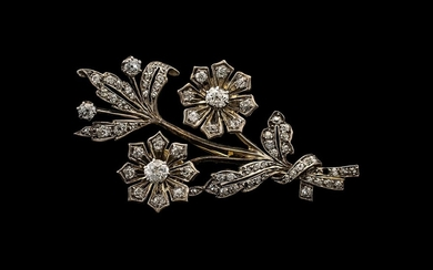 Art Deco Period Superb Quality and Pleasing 18ct Gold and Di...