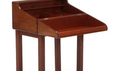 Magnus L. Stephensen: Sewing box of solid mahogany, mounted on loose frame. Inside with narrow shelf, small adjustable storage tray and a pair of thread reels.