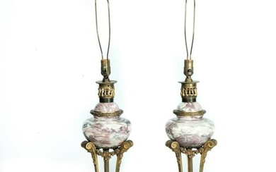 PAIR OF MARBLE AND BRONZE TABLE LAMPS.