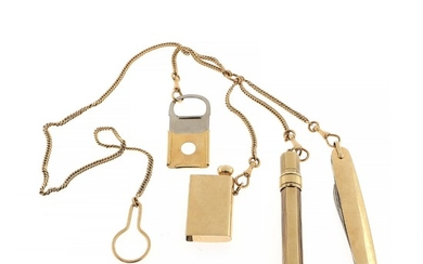 A 14k gold chain with four detachable pendants; pocket knife, pencil-holder, cigar cutter and tinderbox. 20th century. Weight 102 g. L. c. 54.5 cm.