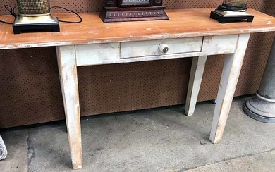 A PINE ONE DRAWER SIDE TABLE
