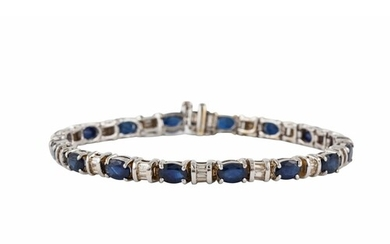 A SAPPHIRE AND DIAMOND BRACELET, the oval sapphires interspe...