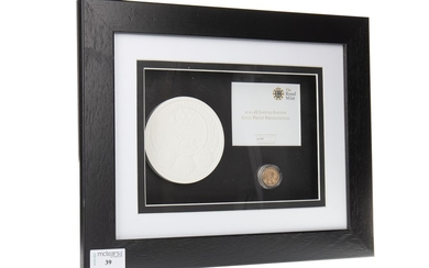 A THE ROYAL MINT 2010 £1 LIMITED EDITION GOLD