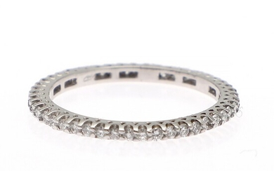 A diamond eternity ring set with numerous brilliant-cut diamonds weighing a total of app. 0.46 ct., mounted in 18k white gold. W. app. 1.5 mm. Size app. 52.