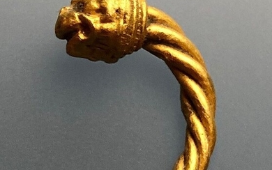 Ancient Greek, Hellenistic Gold Luxury Zoomorphic Earring with a Head of Lion in a Fascinating Style!