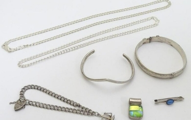 Assorted jewellery to include silver bracelets