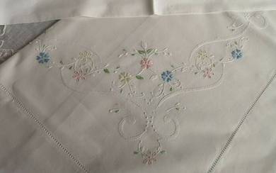 Bellavia cotton percale hand embroidery sheets - Cotton - 21st century