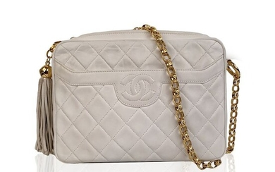 Chanel - Vintage White Quilted Leather CC Stitch Camera Shoulder bag