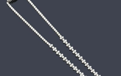 Important long necklace with brilliant cut diamonds of