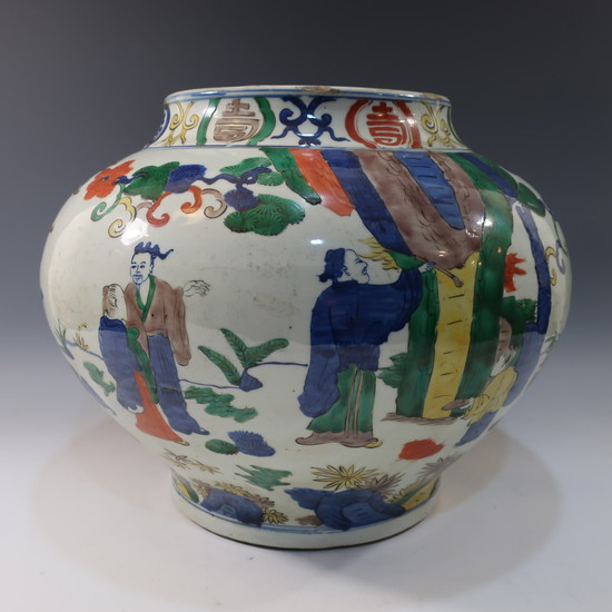 LARGE CHINESE ANTIQUE FAMILLE VERTE JAR - 19TH CENTURY