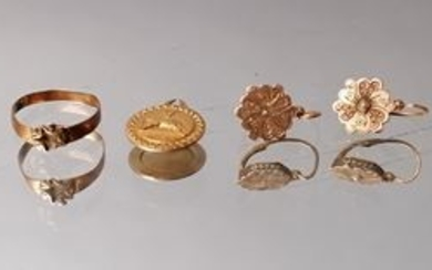 Lot of gold jewelry including two pairs of...