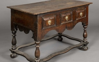 Table. An early 18th century oak side table