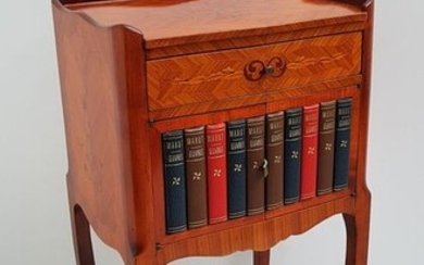 Table de Chevet or Side table with books