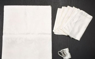 WATERFORD FINE LINENS, 6 NAPKINS W. TABLECLOTH