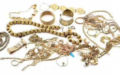 A BOX OF ASSORTED COSTUME JEWELLERY