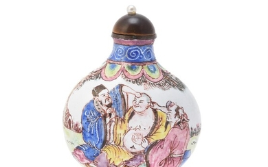 A Chinese famille rose enamel snuff bottle
