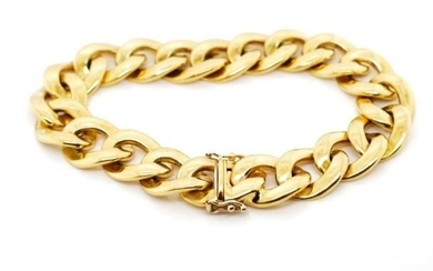 A heavy 18ct yellow gold curb link bracelet marked 750 to bo...