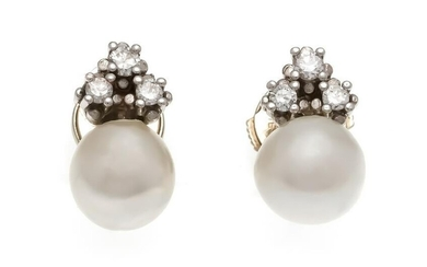 Akoya brilliant stud earrings WG 585/000 with 2 Akoya