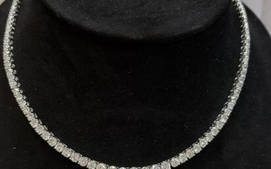 Diamond Graduated Necklace 15.22ct G-H VS-SI set in 18k