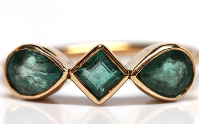 Emerald, 14k yellow gold ring